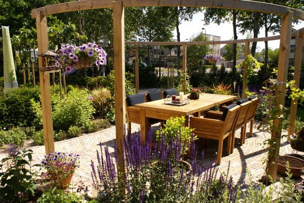 Meer dan 1000 afbeeldingen over tuin terras op pinterest tuinen kleine tuin ontwerpen en tuin - Pergolas ijzeren smeden voor terras ...